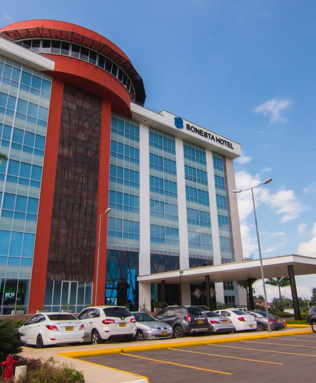 Façade Sonesta Hôtel Pereira Pereira