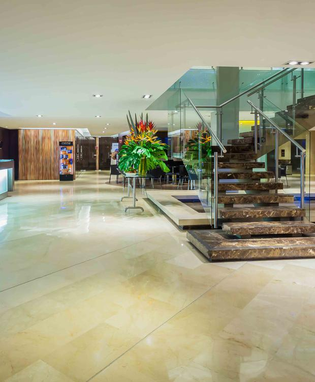 Lobby Four Points by Sheraton Cali Hôtel Four Points by Sheraton Cali Cali