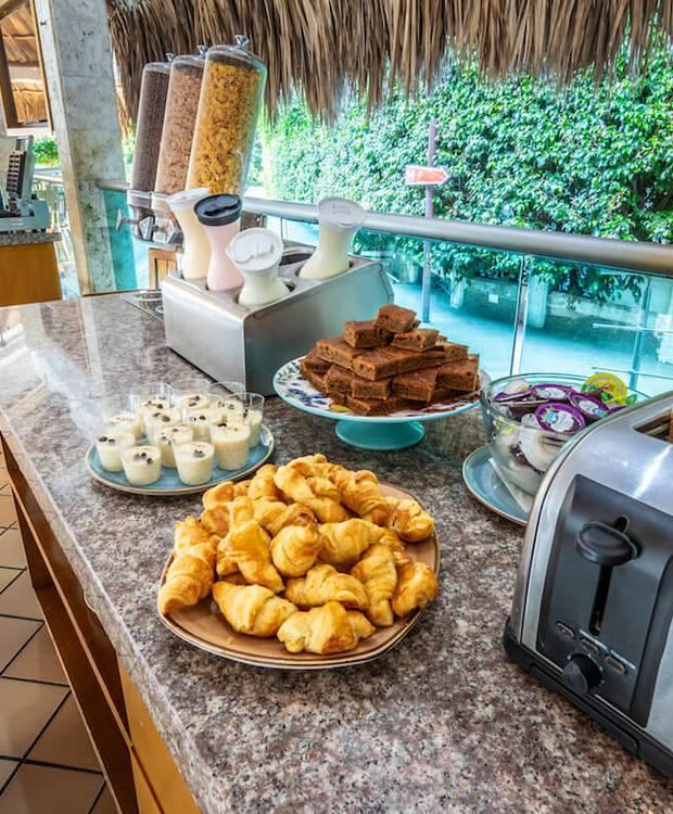 Petit-déjeuner buffet HGL Hôtel Relax Costa Azul Santa Marta