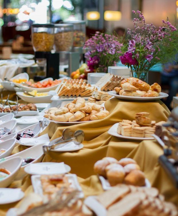 Buffet Howard Johnson Hotel & Suites Córdoba