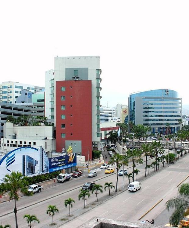 Vue sur la ville Sonesta Hôtel Guayaquil Guayaquil
