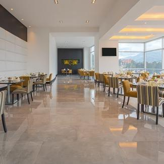 Restaurant Cook's Hotel Four Points by Sheraton Cuenca Cuenca
