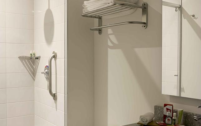 DES CHAMBRES STANDARDS DOUBLE TWIN