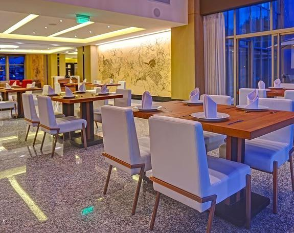 RESTAURANT MANGLE Hôtel Radisson Guayaquil Guayaquil