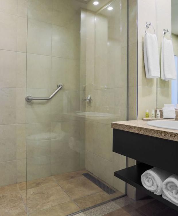 Baignoire Hotel Four Points by Sheraton Cuenca Cuenca