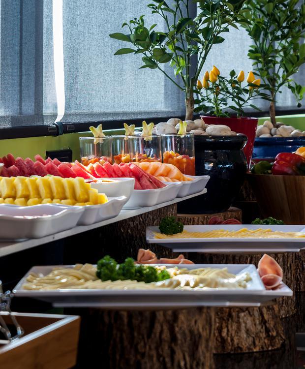 Petit-déjeuner buffet GHL Collection Barranquilla Hôtel Barranquilla