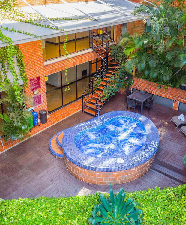 Jacuzzi Hôtel Four Points by Sheraton Cali Cali
