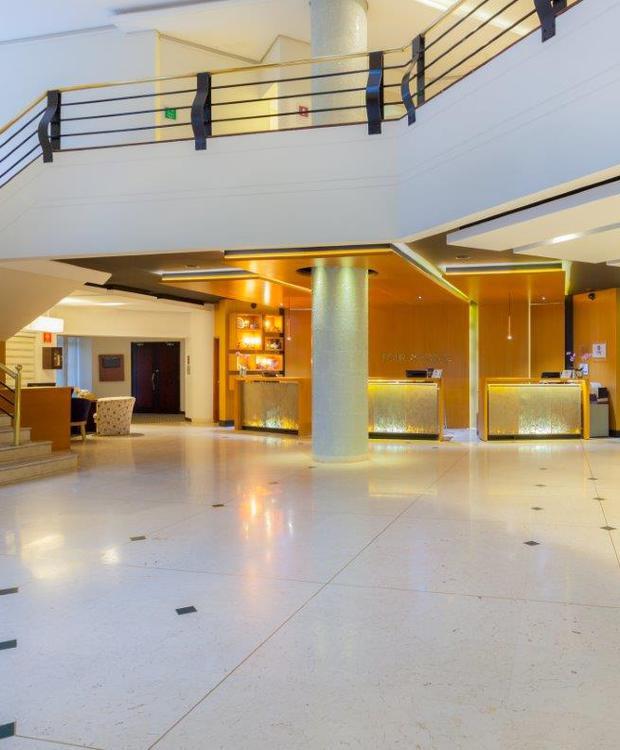 Recepción y Lobby Hôtel Four Points by Sheraton Medellín Medellín