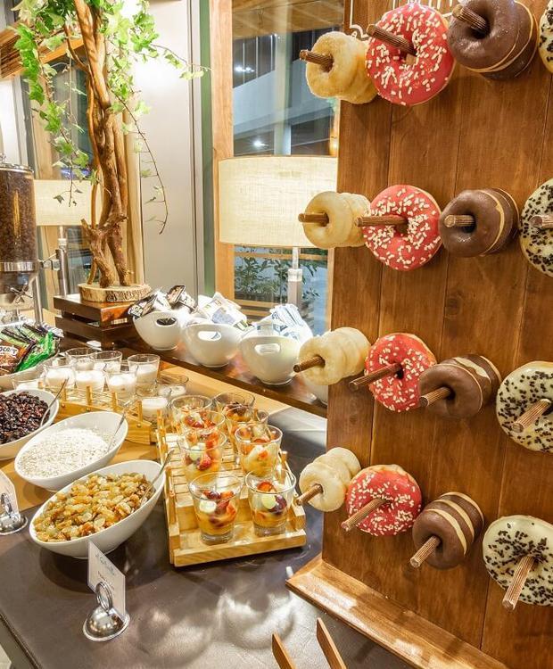 Petit-déjeuner buffet Sonesta Hôtel Osorno Osorno